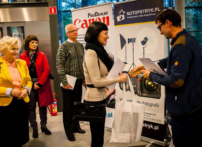 III nagrodę odbiera Dorota Romik z Opola